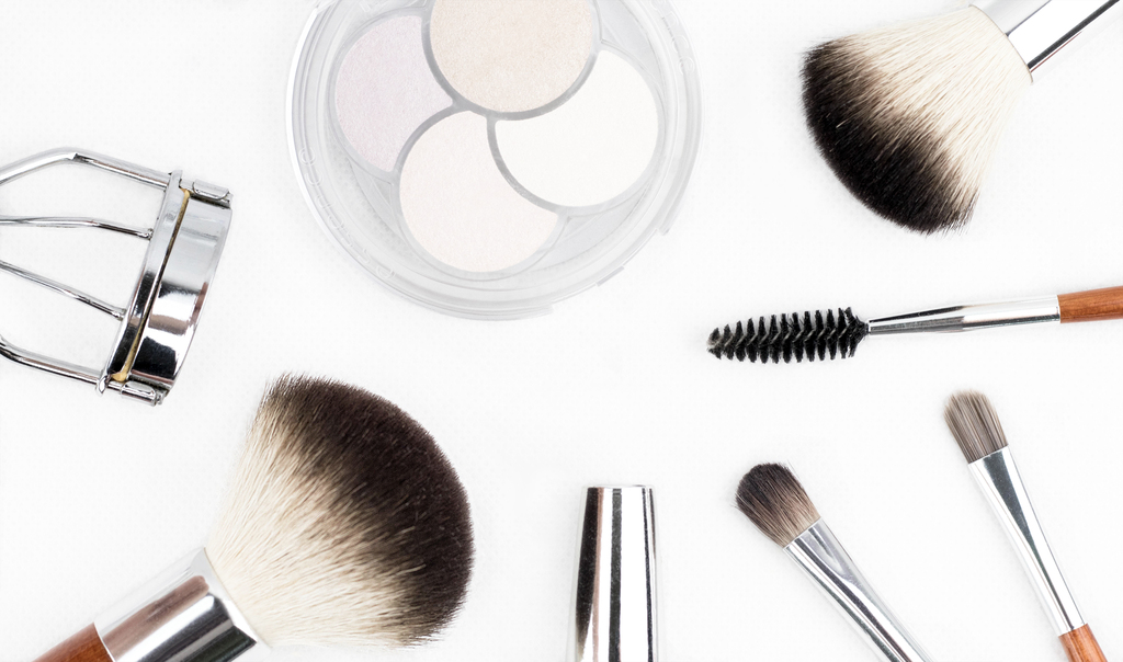Properly Clean and Sanitize Your Cosmetology Tools