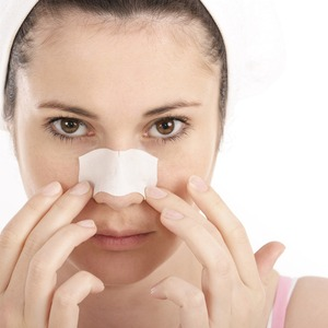 Clean Pores Using Pore Strips